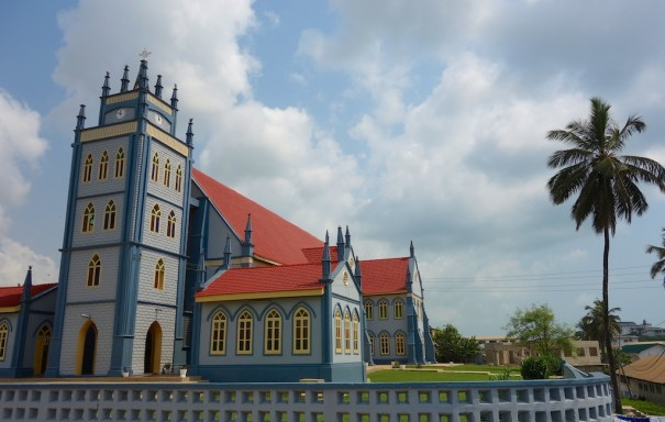 Anglican Church from colonial times that has been kept in some order, in Sekondi