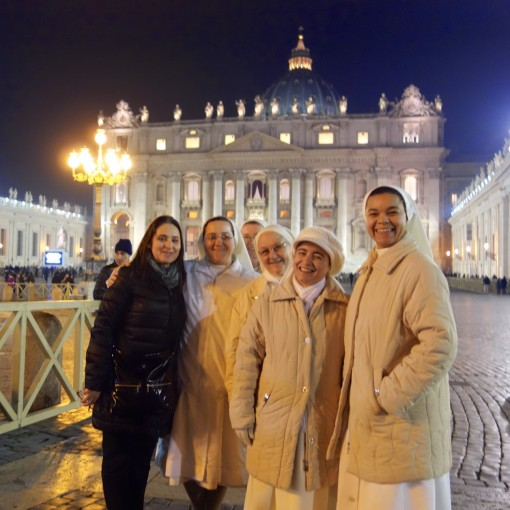 Dianne with some very excited nuns from Brazil in St Peter's Square before Midnight Mass