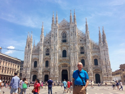 Michael and the 'regulation' shot in front the Duomo in Milan