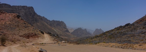 By 4WD into the Gorge of Wadi Bani Awf