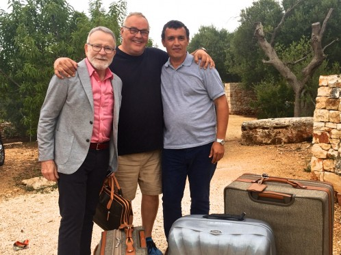 Frank welcomes the last of the arrivals - Edmundo and Naser