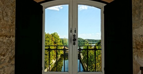 I moved into a nun's cell in the Casa Grande main building with view down over the River Tormes